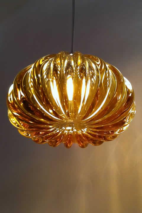 Stijlvolle glas design hanglampen for Verlichting eetkamertafel