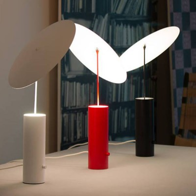 dimbare LED tafellampen in rood, wit en zwart
